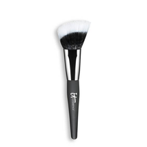 Heavenly Luxe Angled Radiance Crème Brush by IT Cosmetics