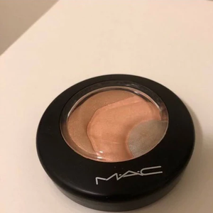 Mineralize Skinfinish Otherearthly by MAC