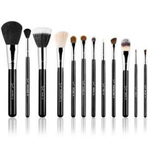 Essential Brush Kit - Make Me Classy by Sigma