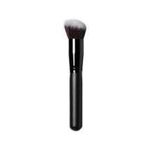 Angle Blending Brush by blac minerals