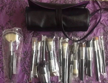 Complete Makeup Brush Set With Brush Case by younique
