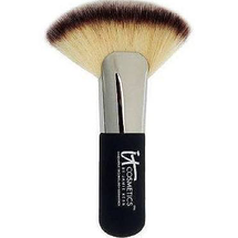 Heavenly Luxe Mega Fat Fan Brush by IT Cosmetics