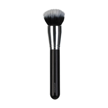BB/CC Cream Brush by japonesque