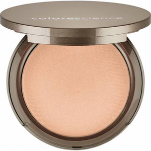 Pressed Mineral Illuminator by colorescience
