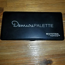 Mavens Demure Palette by motives