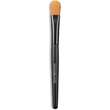 Luxurious Concealer Brush by youngblood