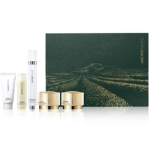 Time Response Blooming Green Tea Collection by amorepacific