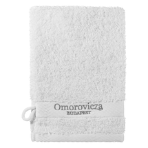Cleansing Mitt by omorovicza