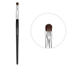 Pro Shader Brush #18 by Sephora Collection