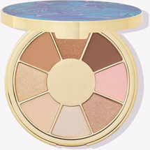Be you. Naturally. Eyeshadow palette by Tarte