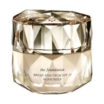 The Foundation by cle de peau