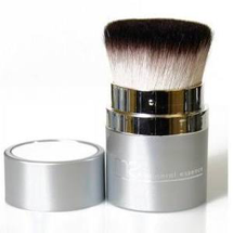 Retractable Kabuki Brush by Mineral Essence