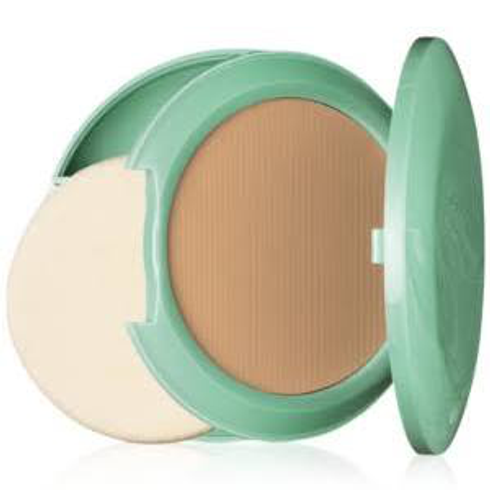 Perfectly Real Compact Makeup by Clinique