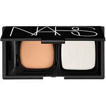 Radiant Cream Foundation Compact by NARS