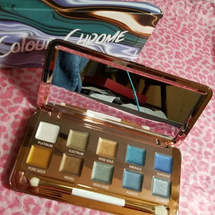 Color Chrome Eyeshadow Palette by models own